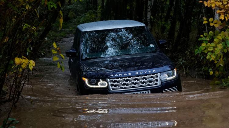Range Rover Hybrid.