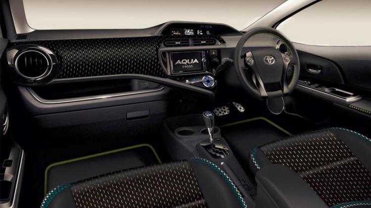 Toyota Aqua Cross.