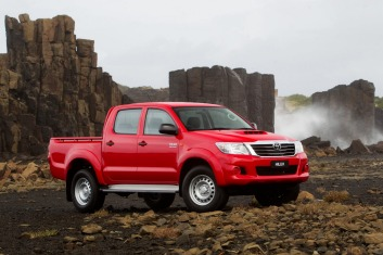 Competitor: Toyota HiLux SR