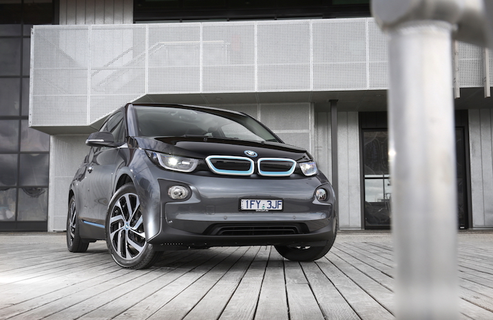 2017 BMW i3 94Ah REVIEW | BMW's Updated Compact EV Goes Further - Literally