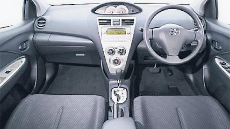 Toyota Yaris YRS sedan interior