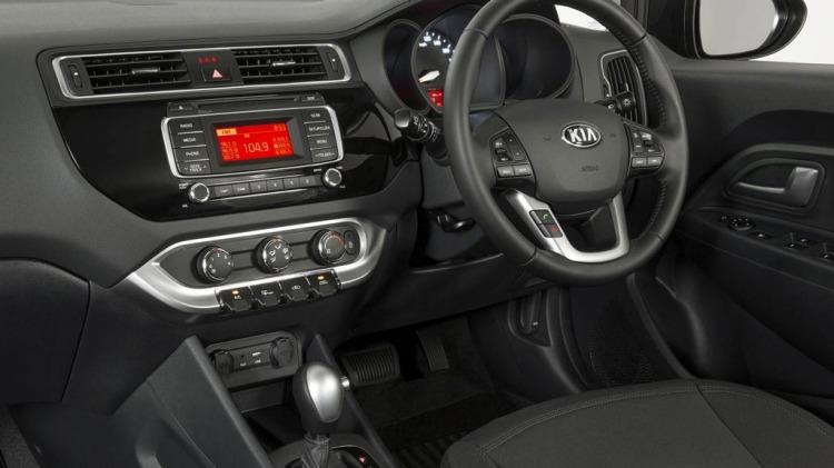 Kia Rio S Premium.