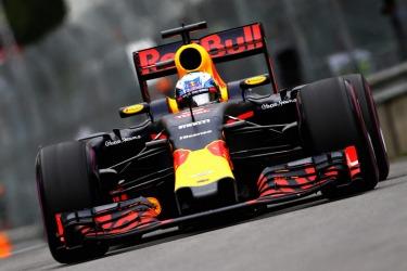 Daniel Ricciardo ready to end Mercedes' domination