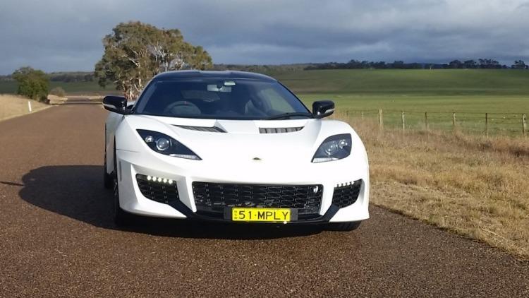 2016 Lotus Evora 400.