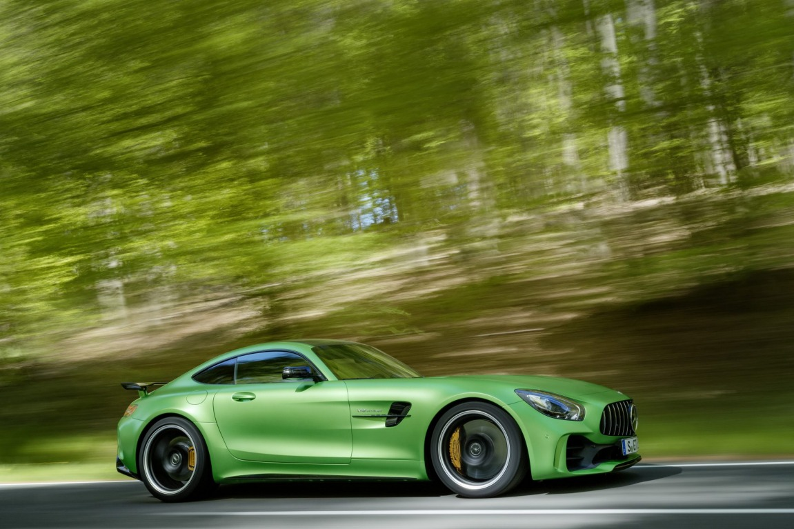 The new Mercedes-AMG GT R has its sights set on the Porsche 911 GT3 RS.