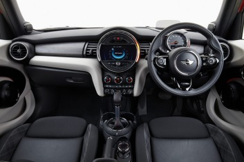 The interior of the Mini 5-door.