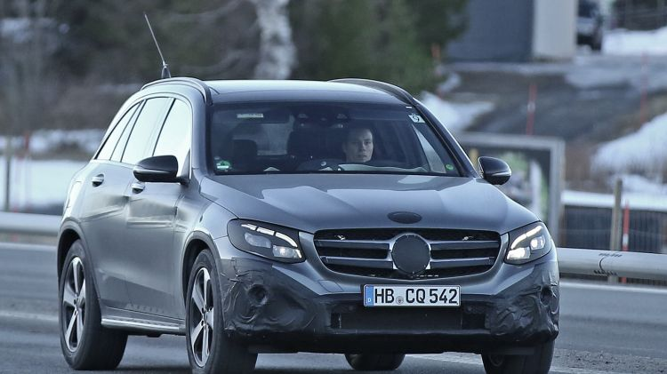 New Mercedes-Benz GLC has been caught by spy hptographers during testing.