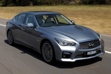 Infiniti Q50 Hybrid S quick spin review