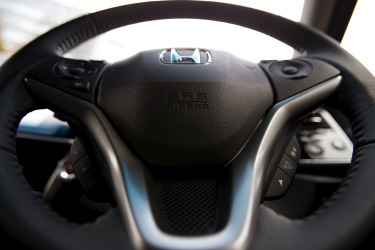 Motorists frustrated by 'deathtrap' airbag delays