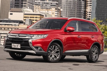 Mitsubishi Outlander Exceed she says, he says review