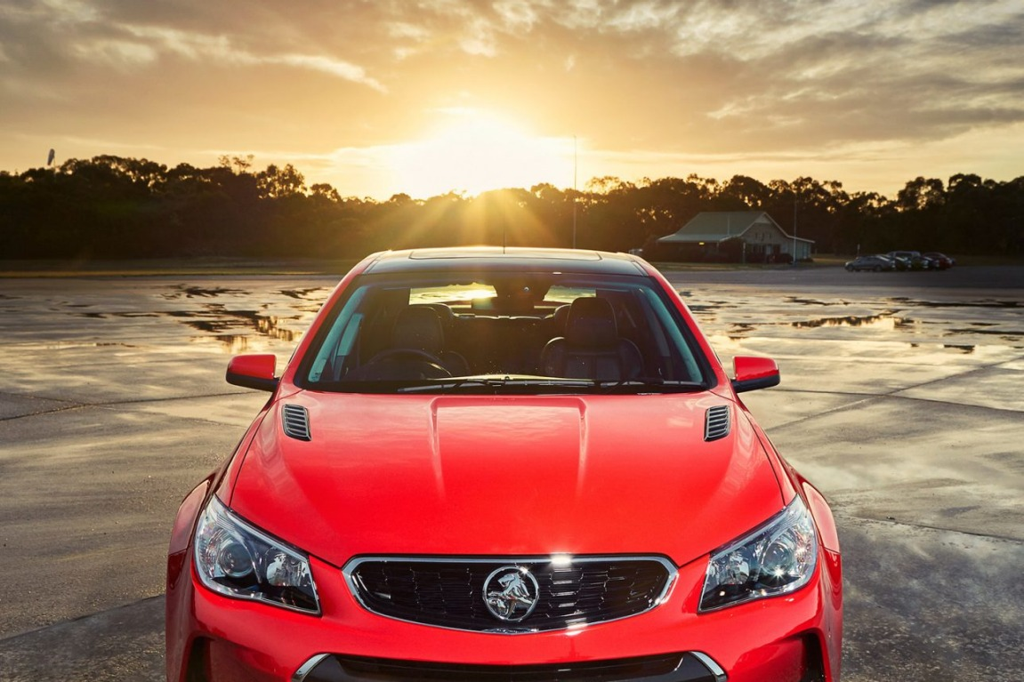 2016 Holden VFII Commodore SS-V receives a new front grille and bumper