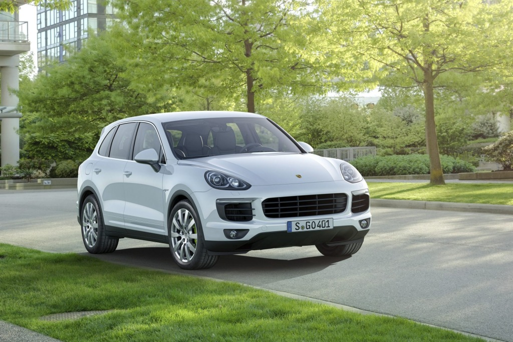 Porsche Cayenne S E-Hybrid is thirsty once it runs solely on its petrol engine.