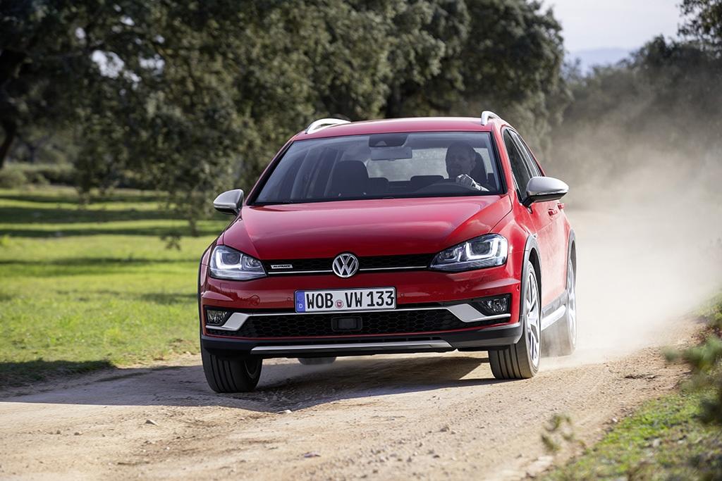 2015 Volkswagen Golf Alltrack.
