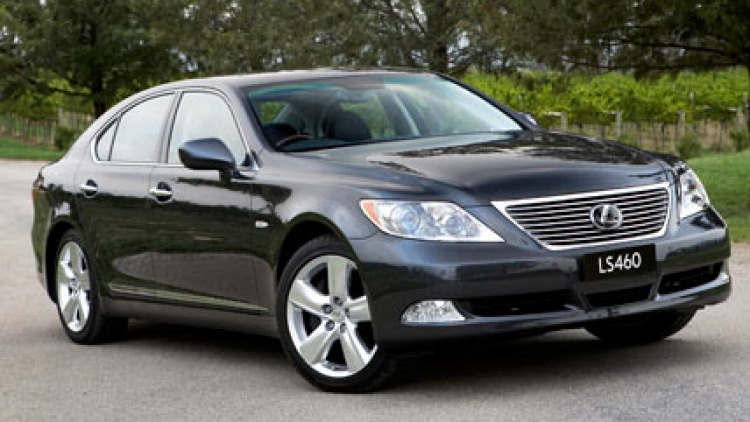 Model marque ... Lexus set new standards in customer service.