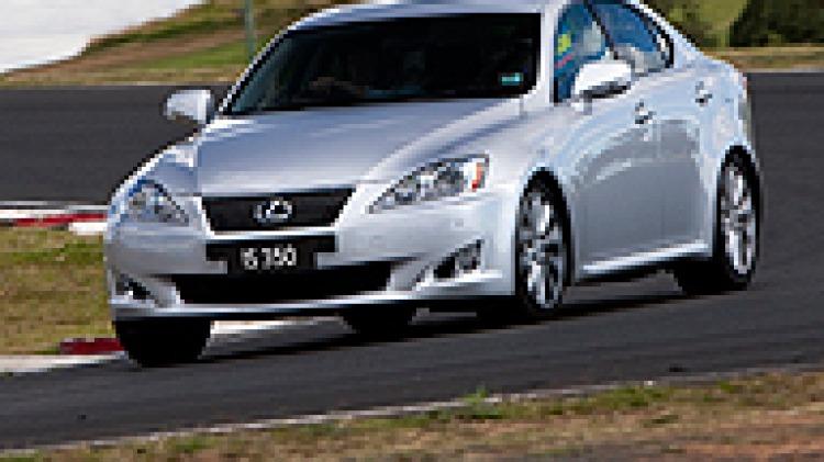 Lexus-IS350-192x128