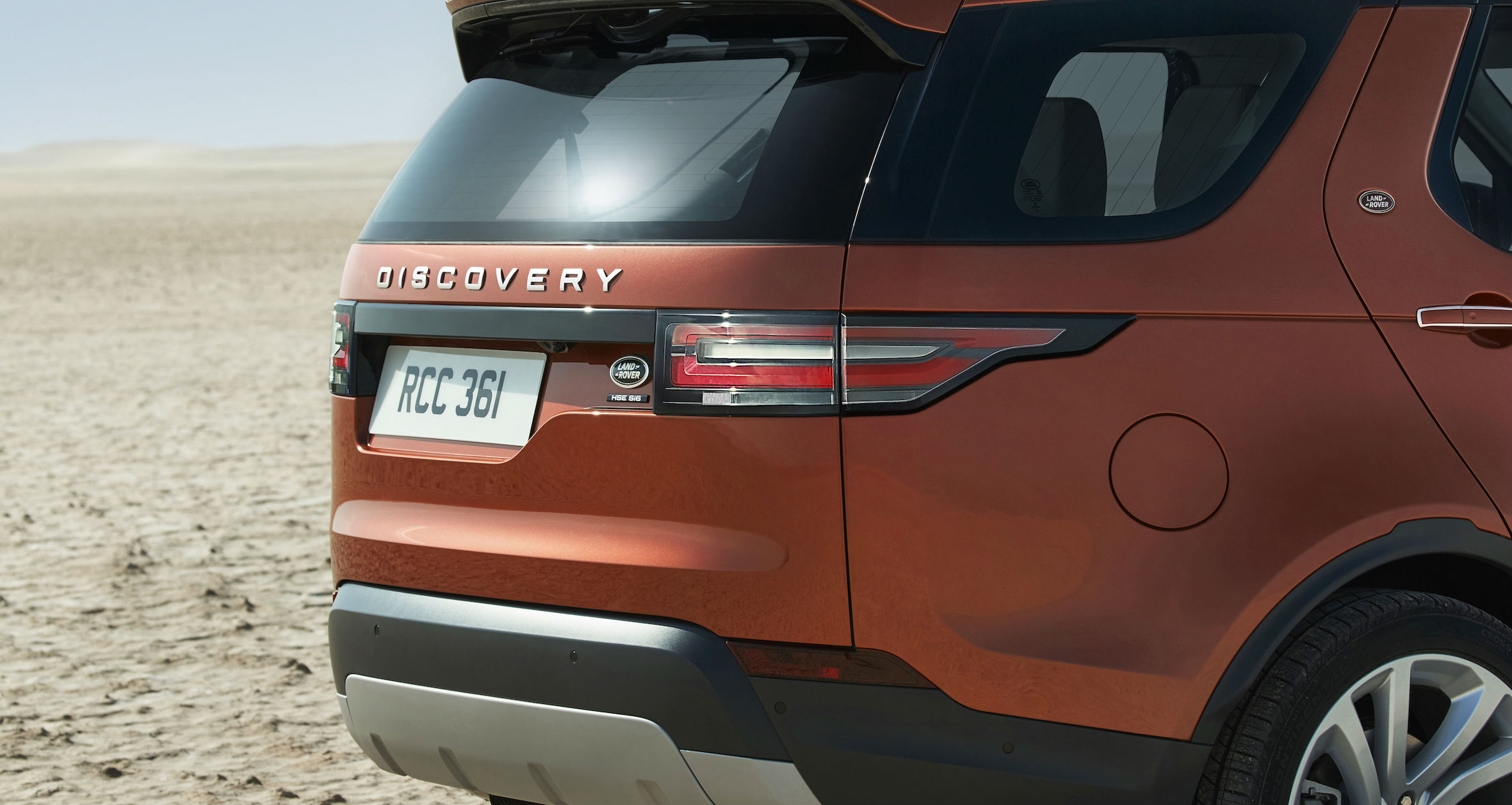 2017_land_rover_discovery_overseas_10