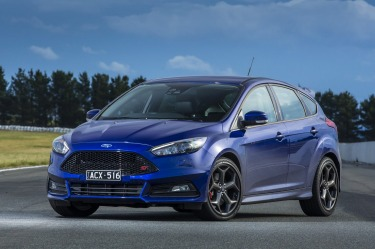 Head to head: Ford Focus ST Mountune and Volkswagen Golf GTI 40 Years comparison