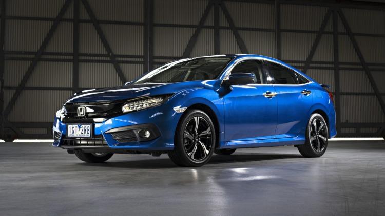 Honda Civic RS sedan.