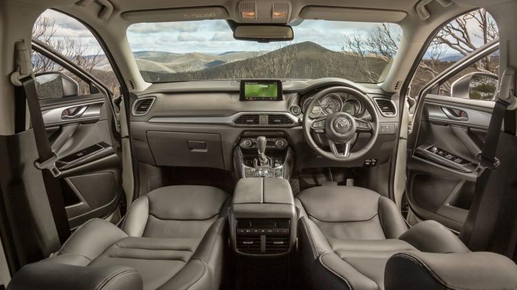 2016 Mazda CX-9 Touring.