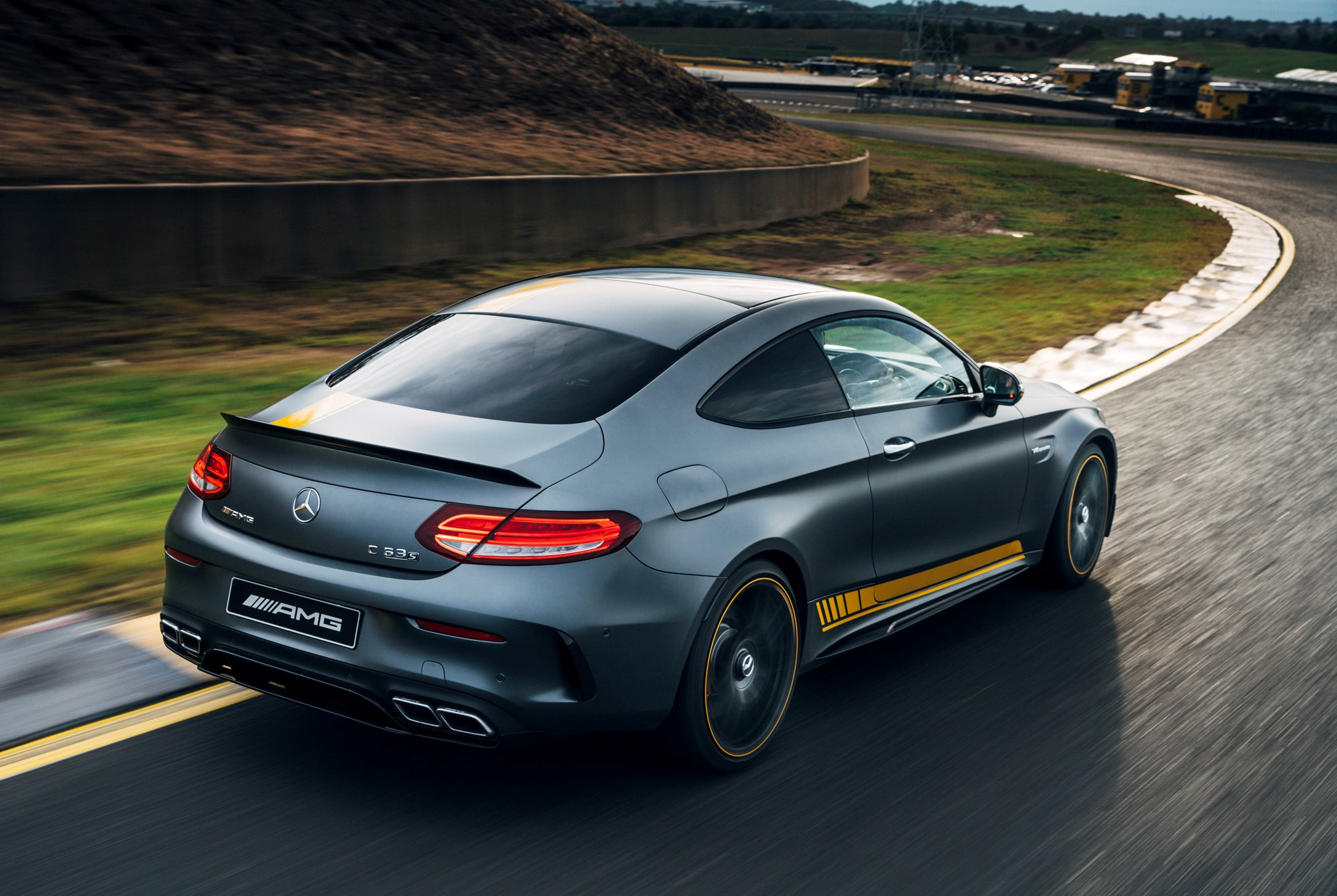 2016_mercedes_amg_c63_coupe_trackpreview_03