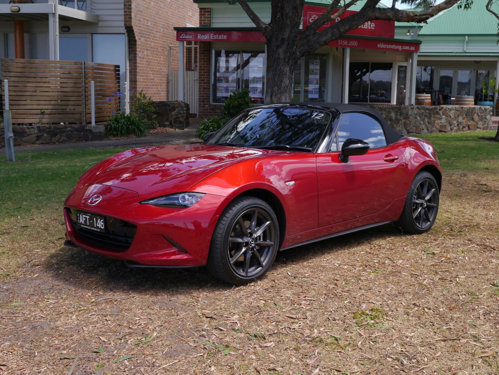 Mazda MX-5 2.0 Litre Review | Roadster And Roadster GT - More Grunt For Mazda's Pint-Sized Drop-Top