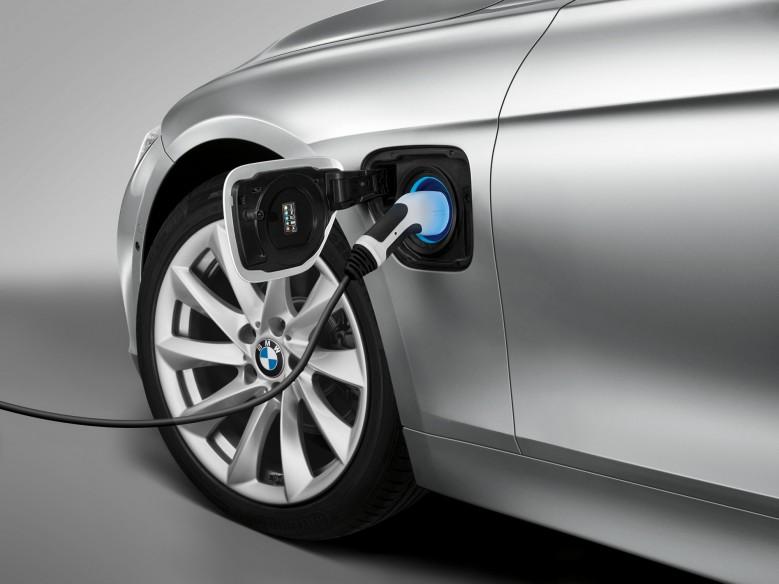 Next-Gen BMW 3 Series EV Variant To Do Battle With Tesla Model 3 - Report