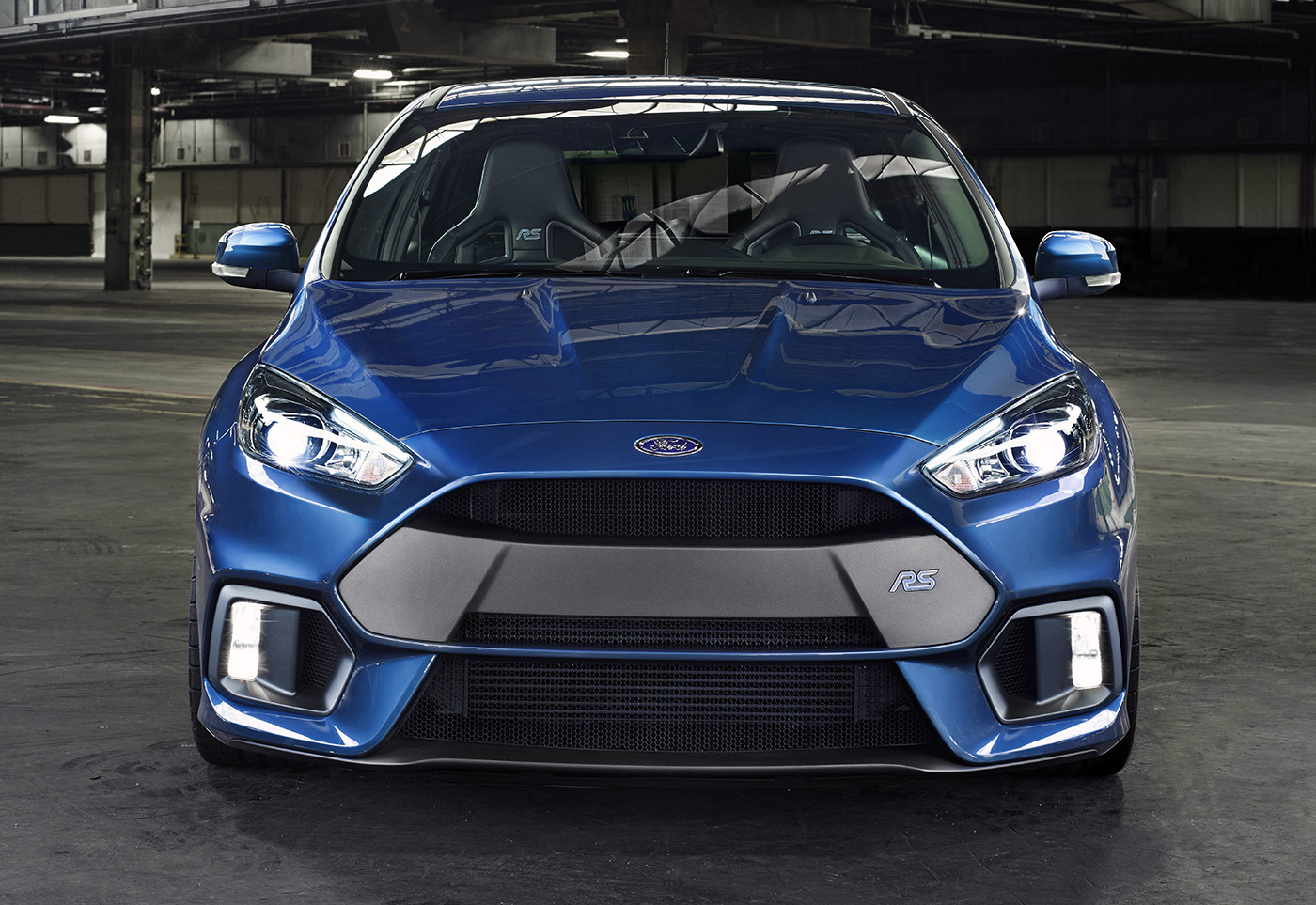 2015_ford_focus_rs_overseas_04