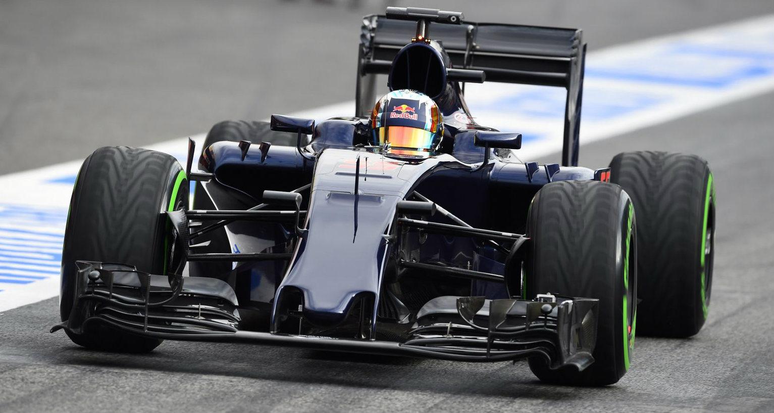 2016_f1_new_cars_toro_rosso_01