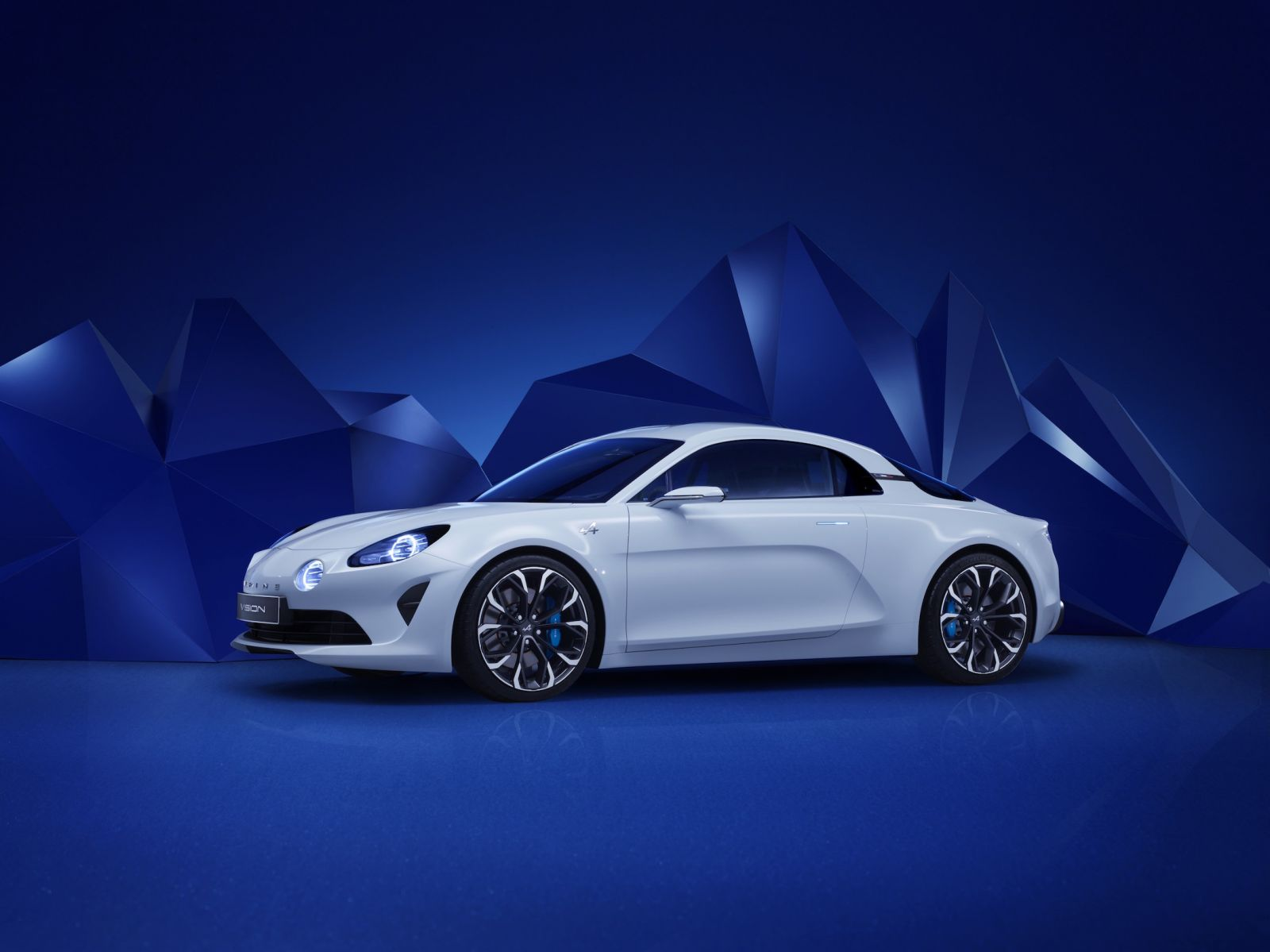 Alpine Vision Concept Revealed In Monte Carlo - Video