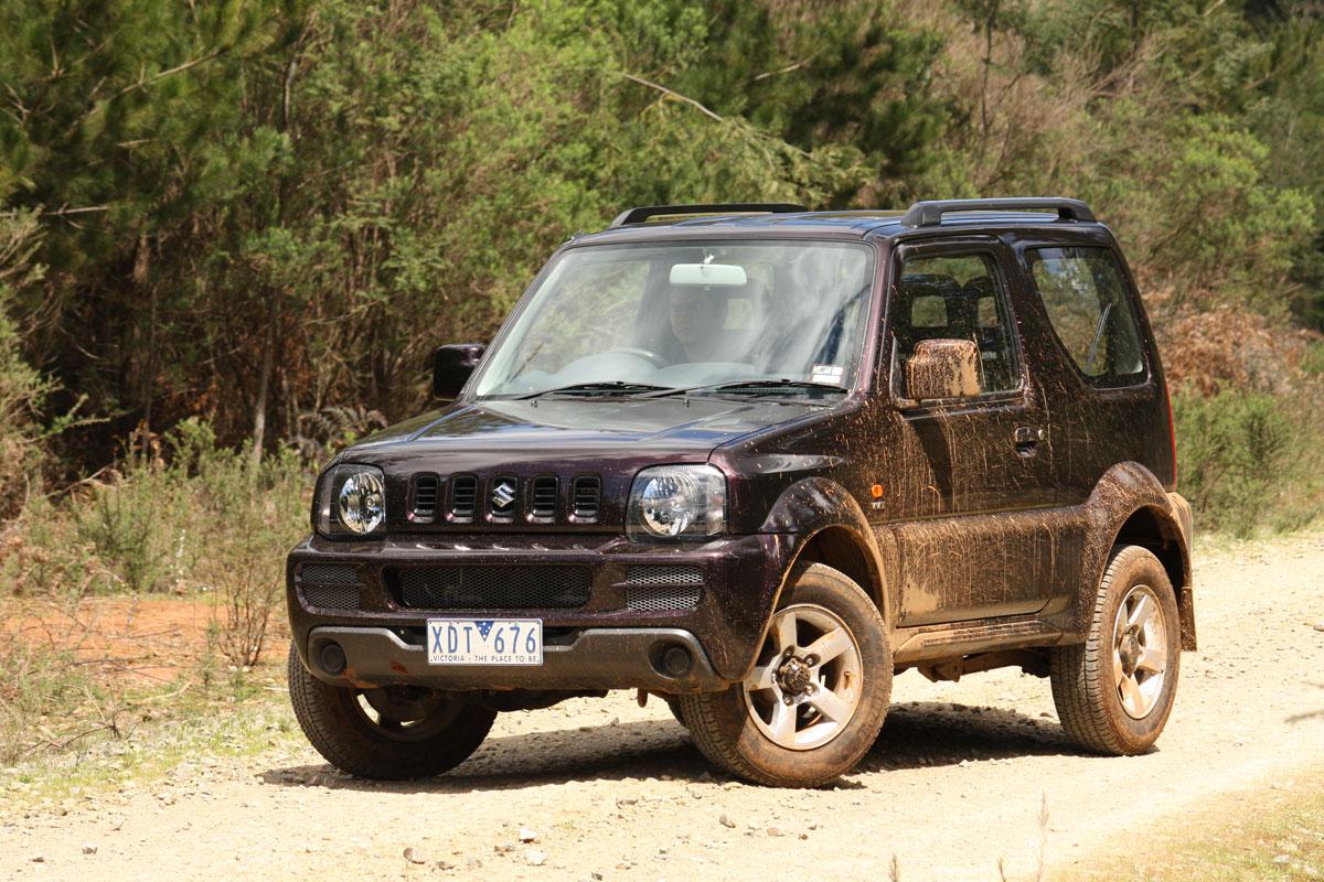 2009_suzuki_jimny_sierra_road-test-review_06.jpg