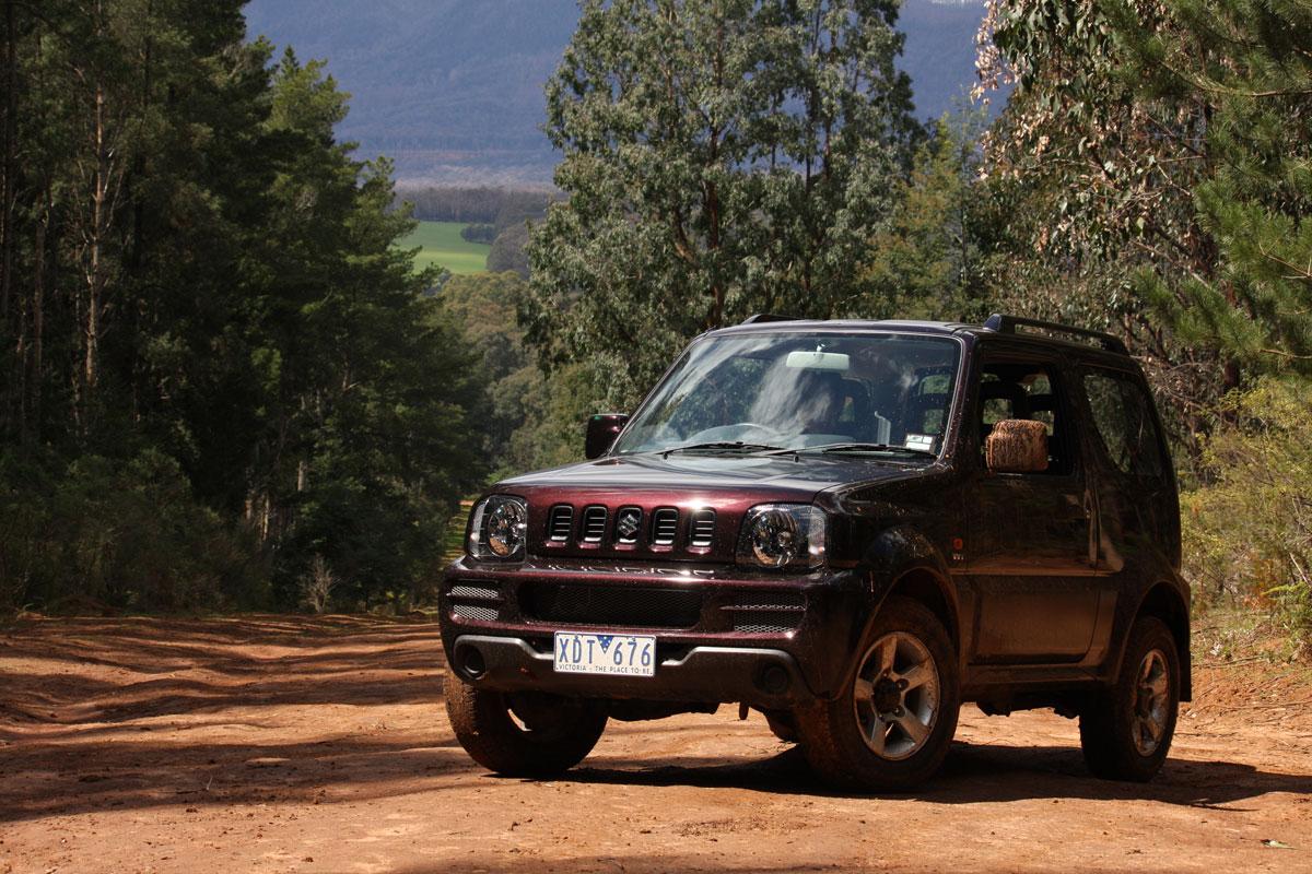 2009_suzuki_jimny_sierra_road-test-review_02.jpg