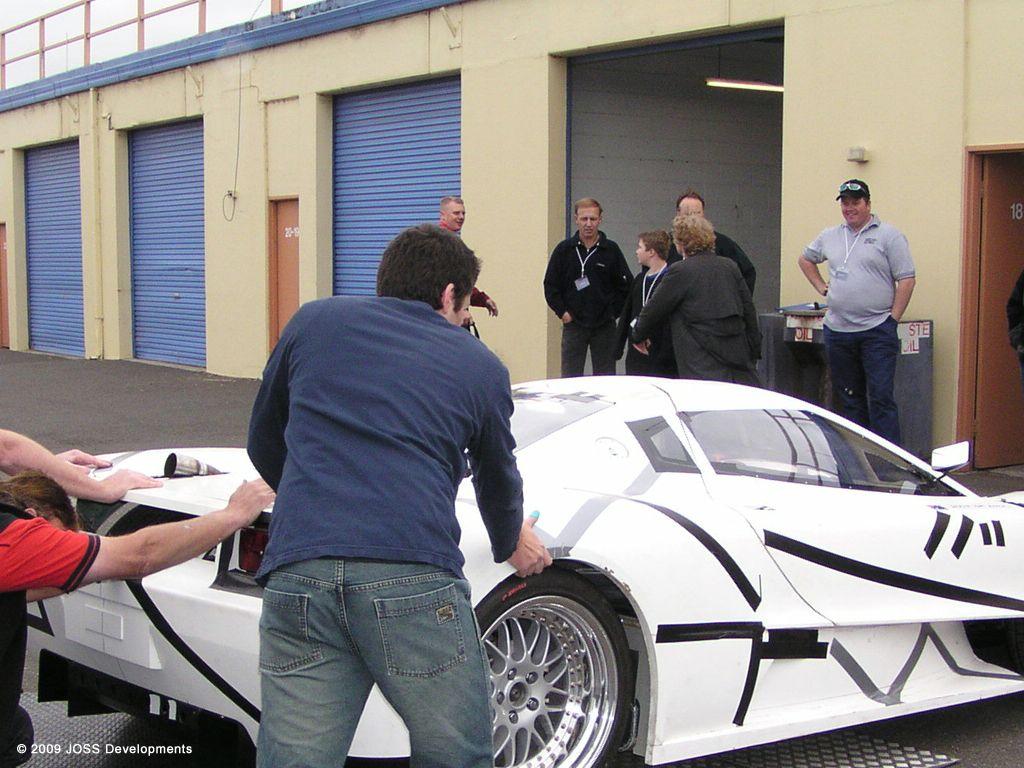 joss-supercar_development-prototype_05.jpg