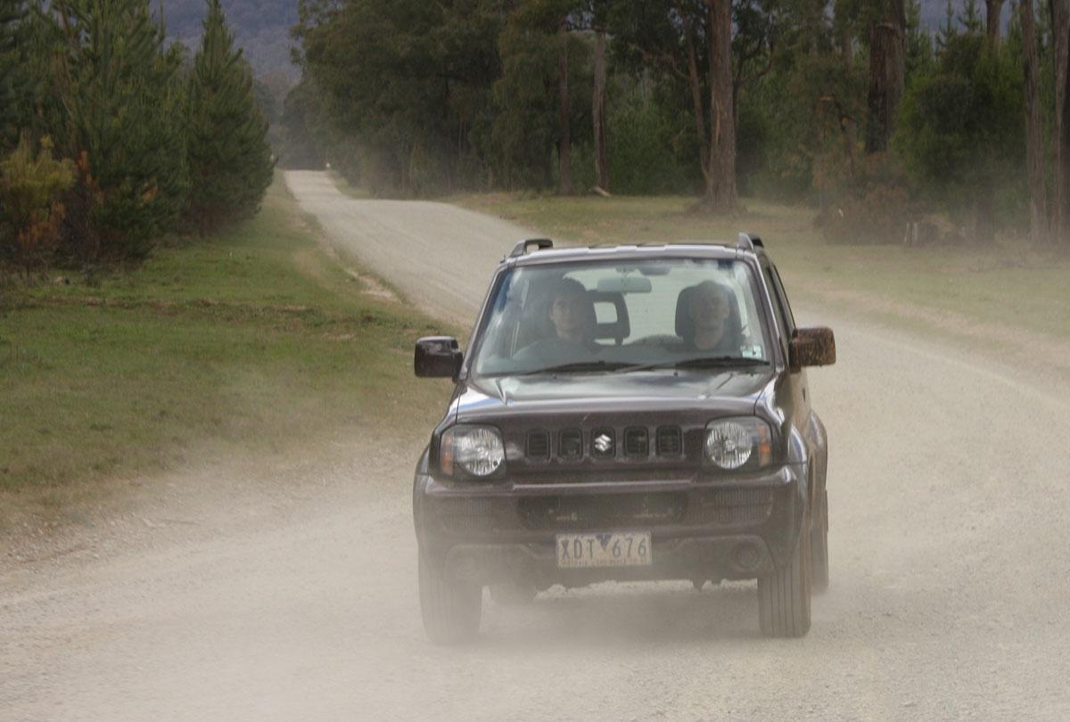 2009_suzuki_jimny_sierra_road-test-review_11.jpg