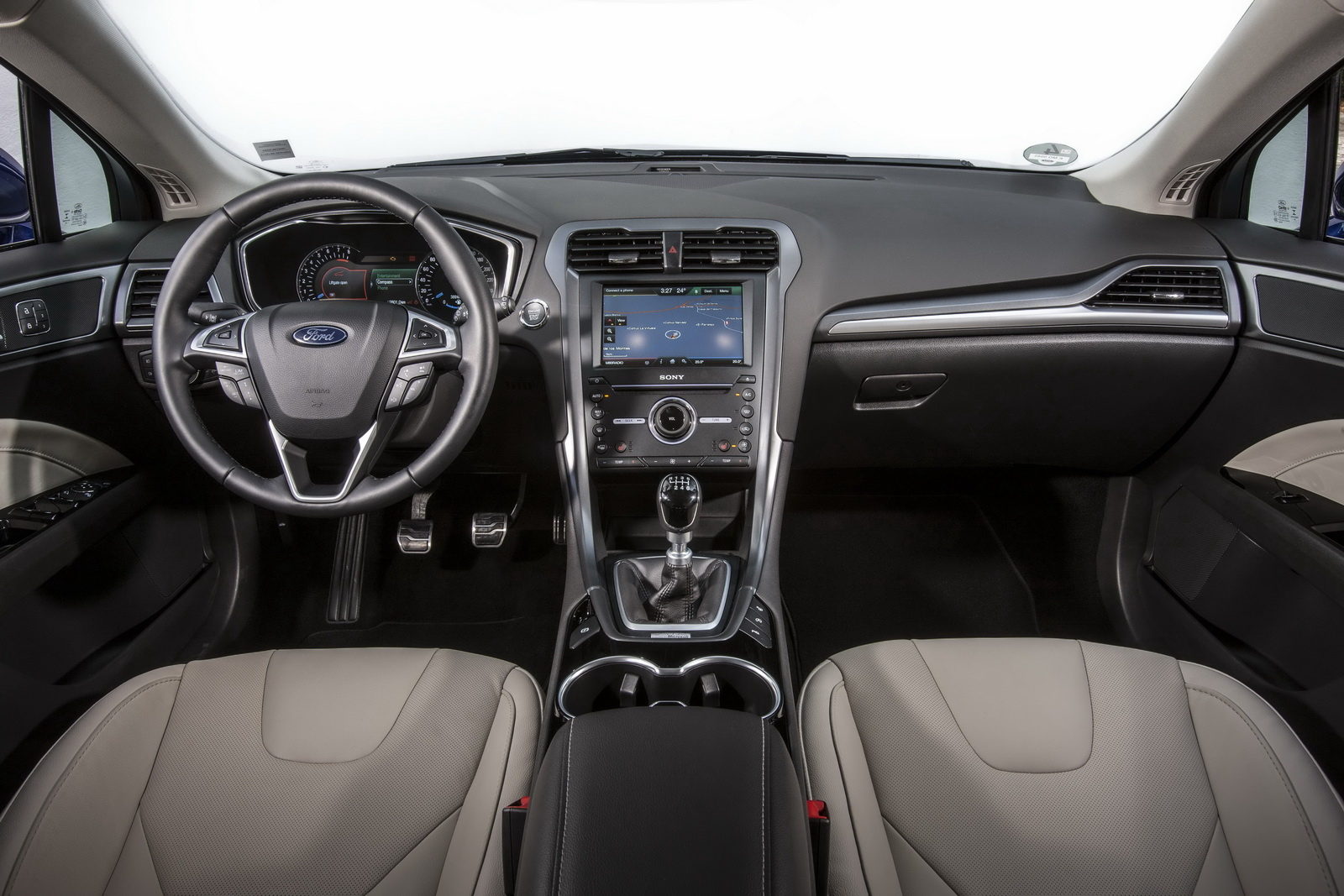 2015_ford_mondeo_overseas_09