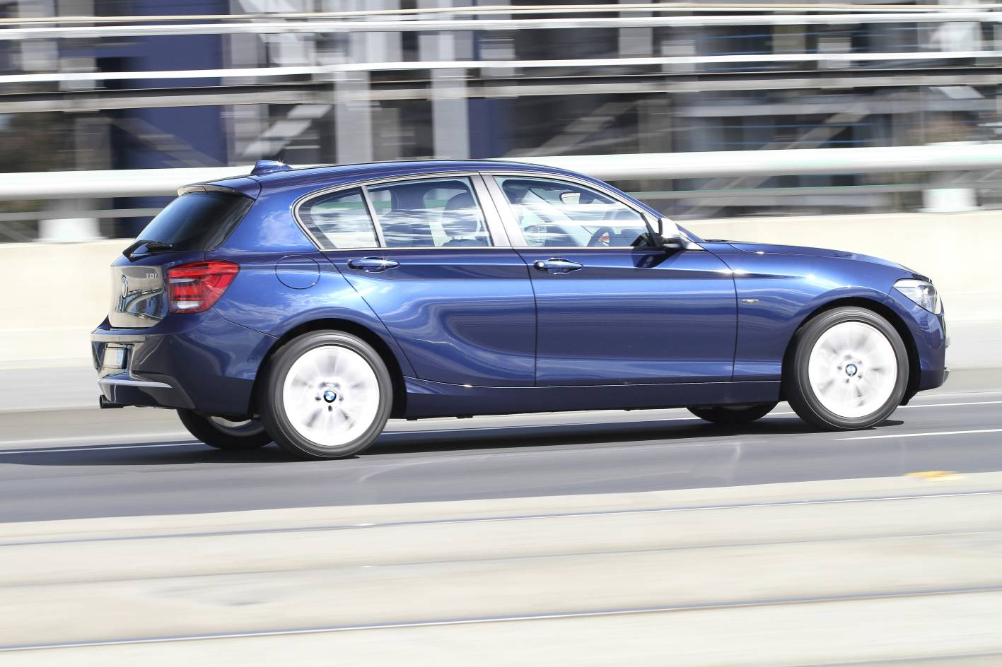 2012_bmw_1_series_press_photos_02_118i_sport_05