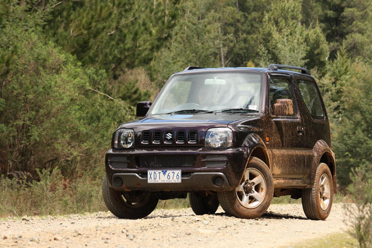 2009_suzuki_jimny_sierra_road-test-review_07.jpg