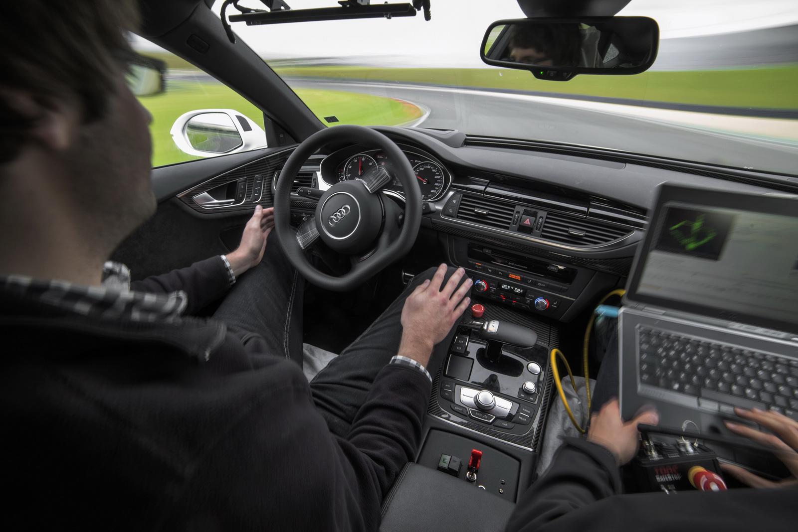 audi_rs_7_piloted_autonomous_car_06