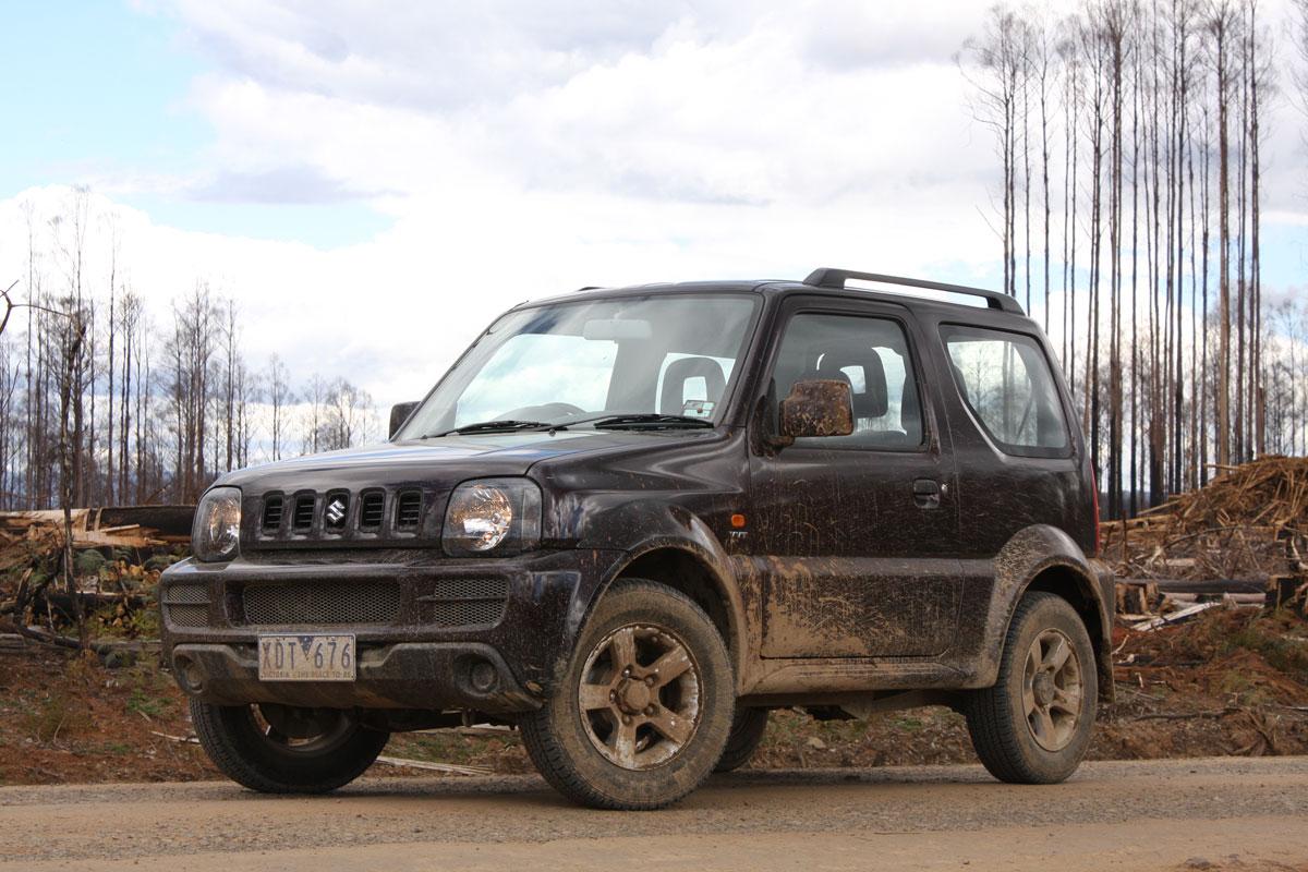 2009_suzuki_jimny_sierra_road-test-review_13.jpg