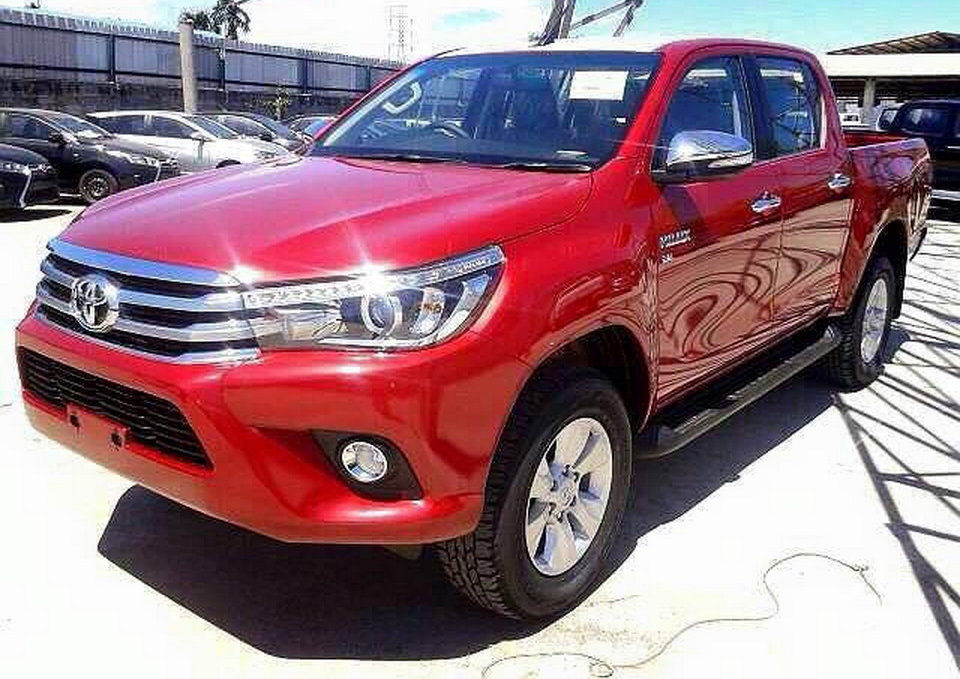 One Last Time: 2016 Toyota HiLux Surfaces Ahead Of Big Unveiling
