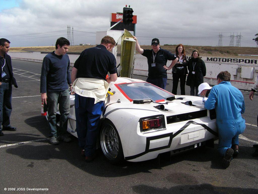 joss-supercar_development-prototype_01.jpg
