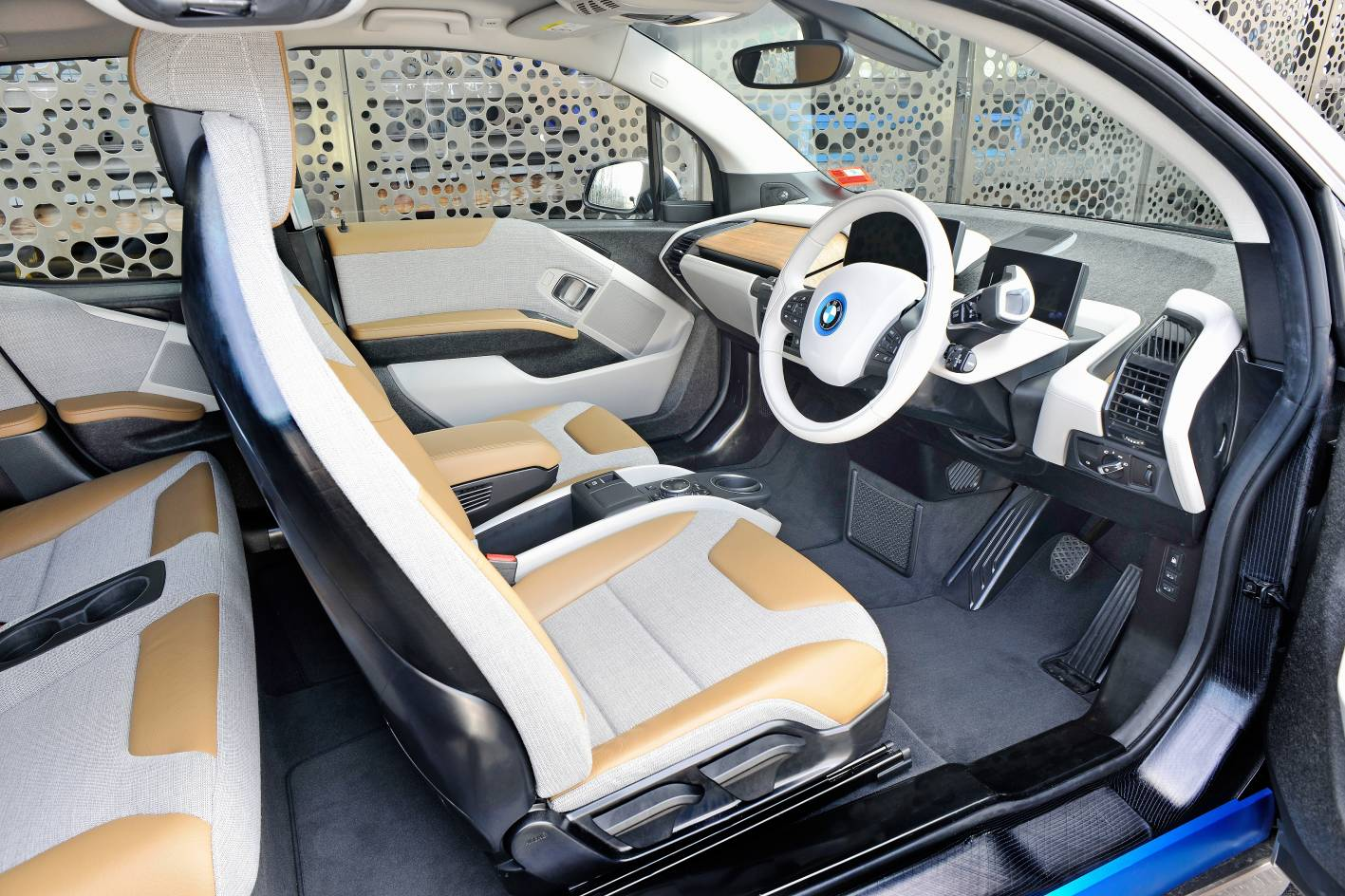2014_bmw_i3_demo_car_australia_06