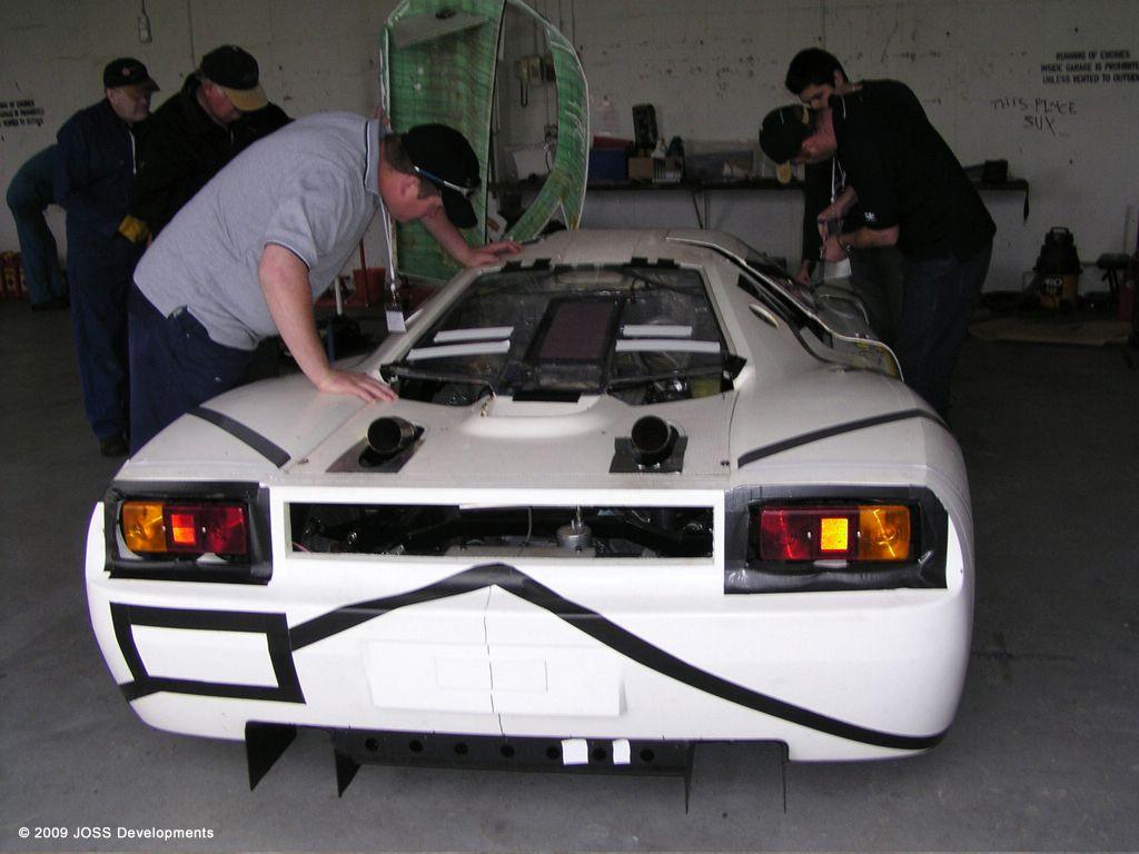 joss-supercar_development-prototype_02.jpg