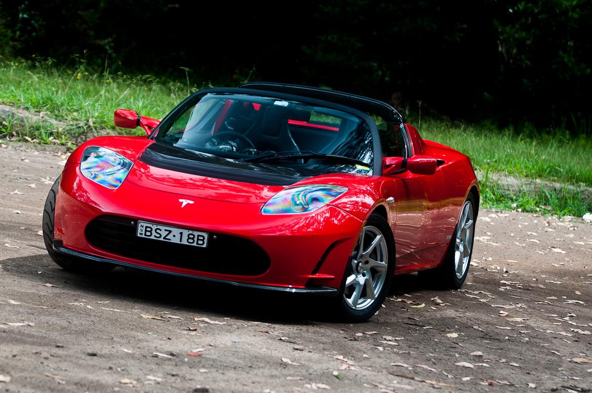 2011_tesla_roadster_2_5_01_static_forest_02