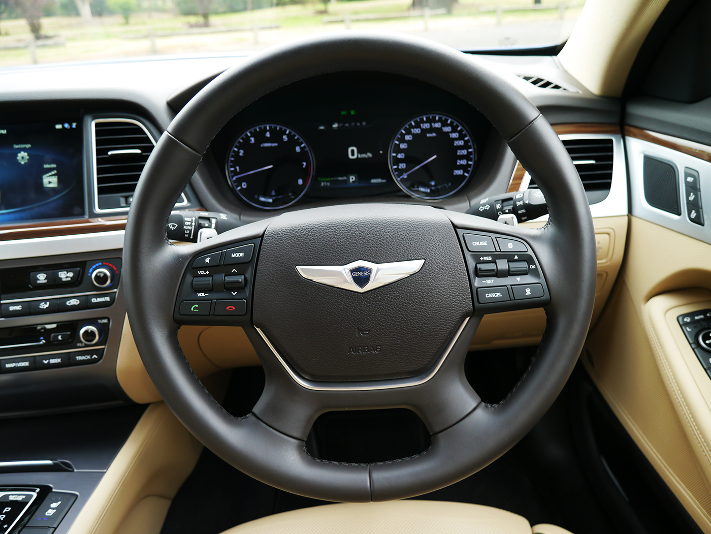 2015_hyundai_genesis_ultimate_review_12