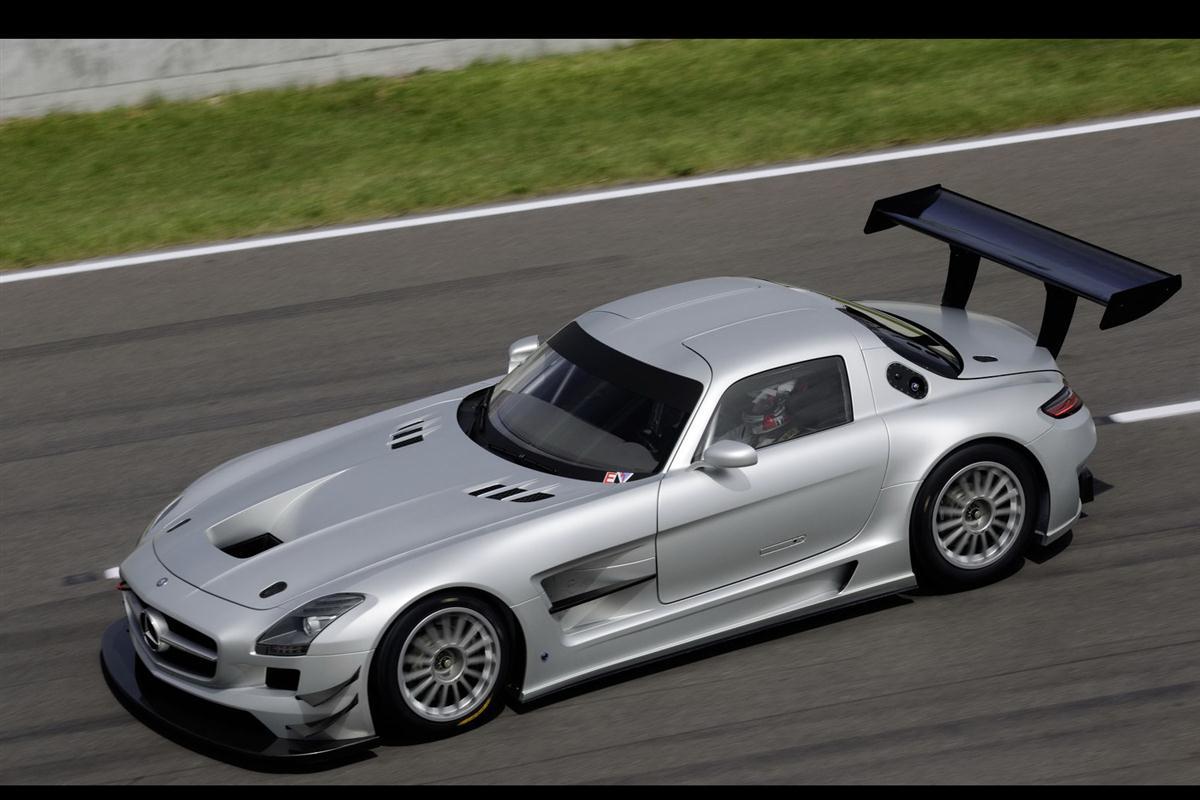 2010_mercedes_benz_sls_amg_gt3_race_car_007