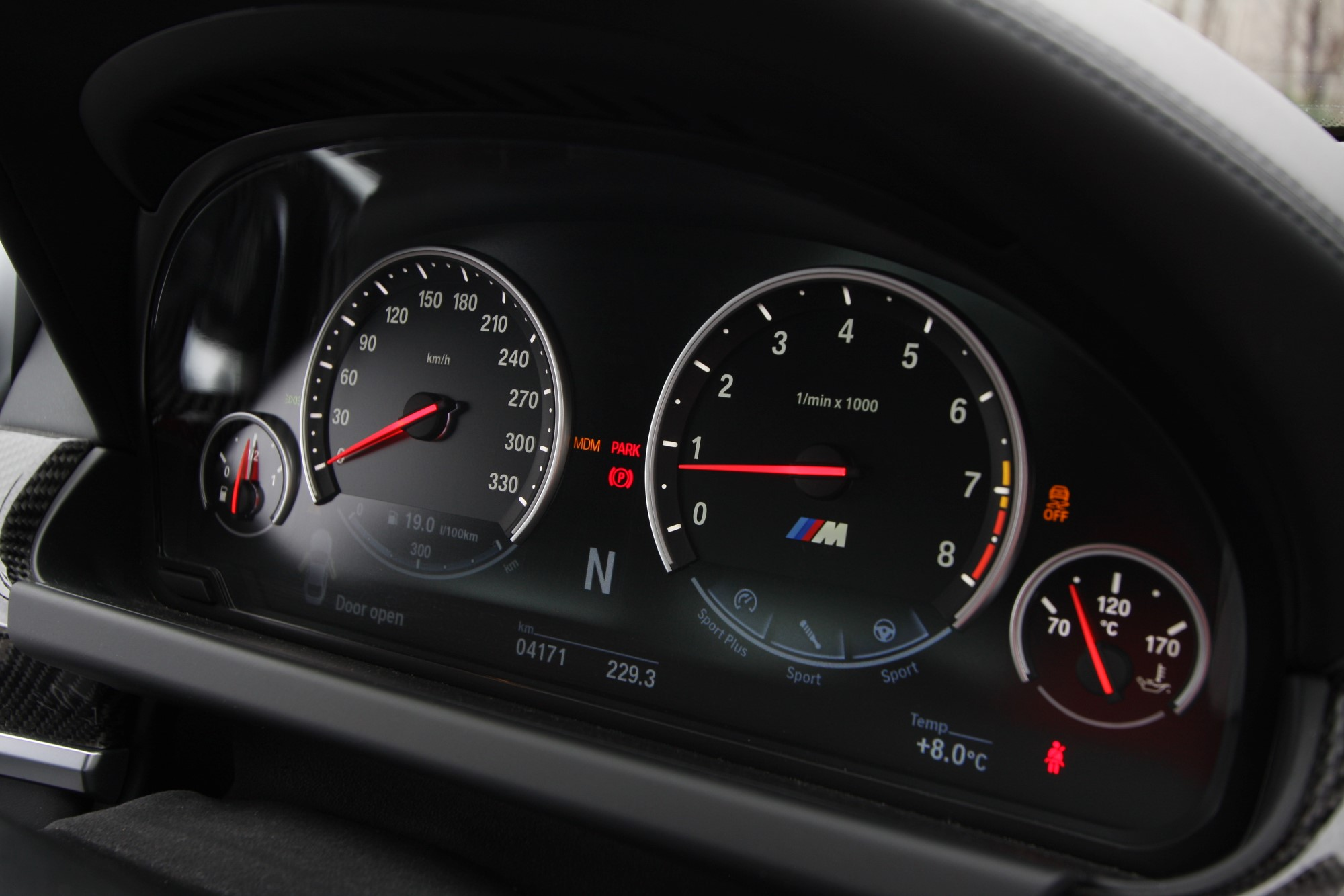 2013_bmw_m6_coupe_review_30