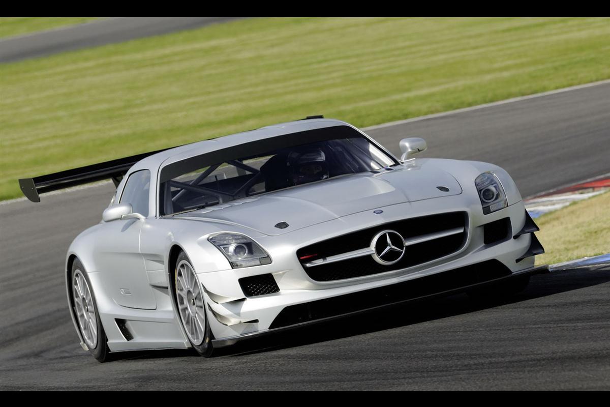 2010_mercedes_benz_sls_amg_gt3_race_car_005