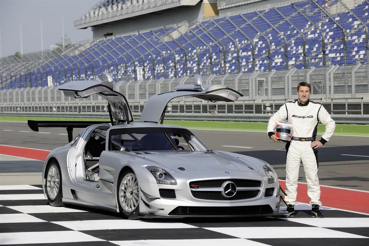 2010_mercedes_benz_sls_amg_gt3_race_car_008