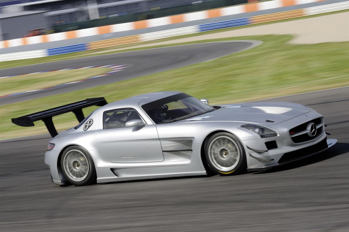 2010_mercedes_benz_sls_amg_gt3_race_car_014