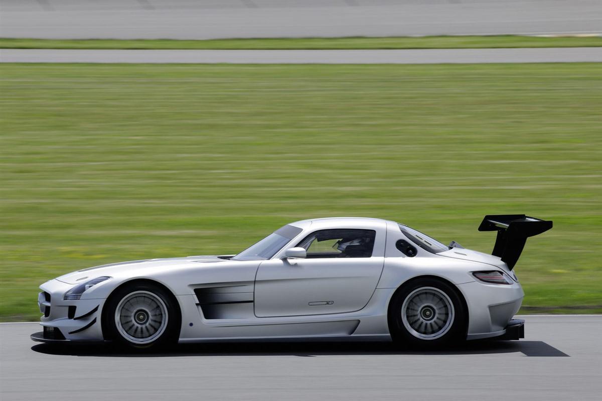 2010_mercedes_benz_sls_amg_gt3_race_car_006